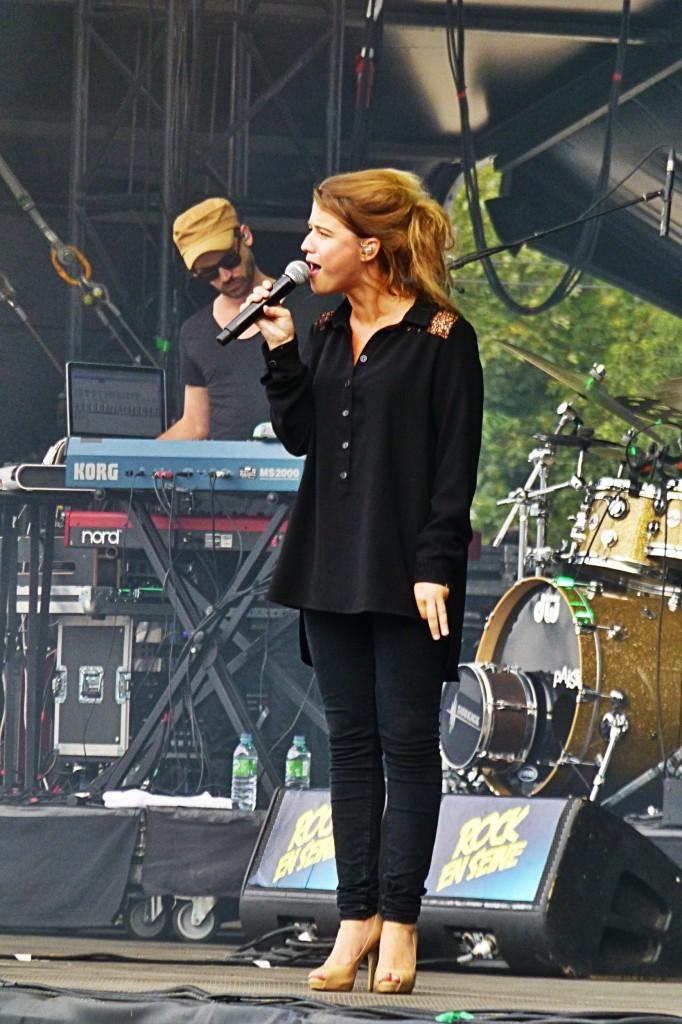 Selah Sue on stage concert paris Rock en Seine 2014 festival music live show photo by United States of Paris blog