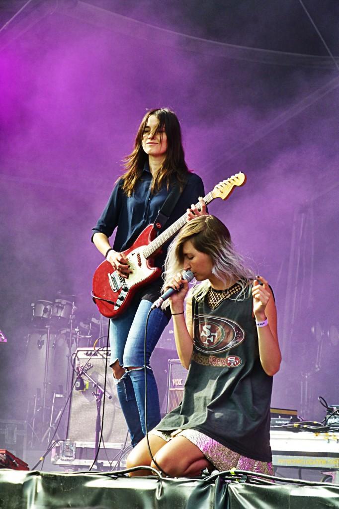 Warpaint band concert paris Rock en Seine Festival 2014 Emily Kokal Theresa Wayman music live show photo by United States of Paris blog