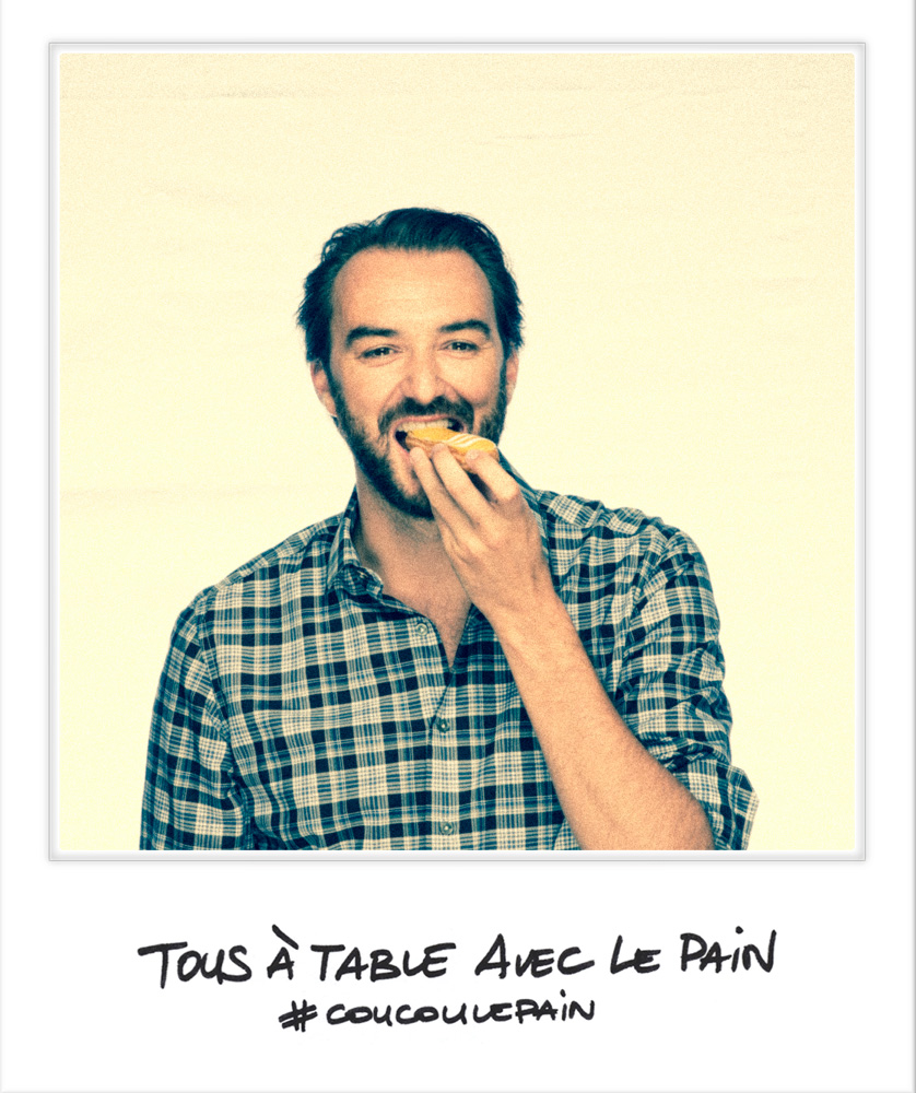 Selfie Cyril Lignac et son éclair patisserie chef étoilé M6  Festival Tous à Table avec le Pain Carreau du Temple photo