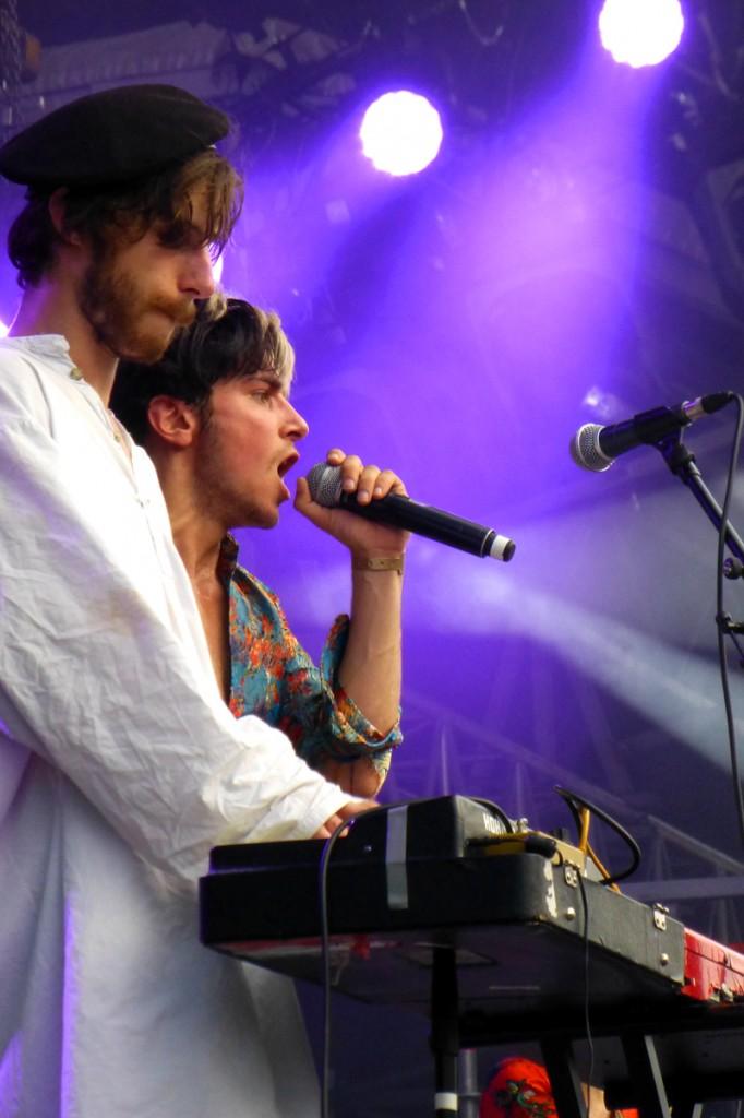 Marlon Magnée chanteur groupe La Femme scène concert Festival Fnac Live 2014 photo by United States of Paris blog