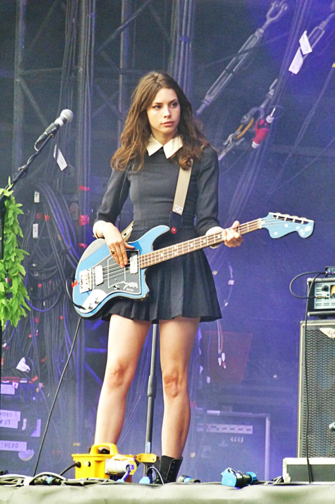 Charlotte Kemp Muhl model singer with Sean Lennon The Goastt Ghost of a Saber Tooth Tiger Rock en Seine Festival music photo by United States of Paris blog