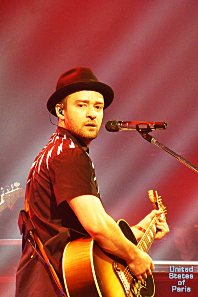 Justin Timberlake guitar concert privé live show Paris 2014 France Olympia the 20 20 World Tour photo by United States of Paris blog