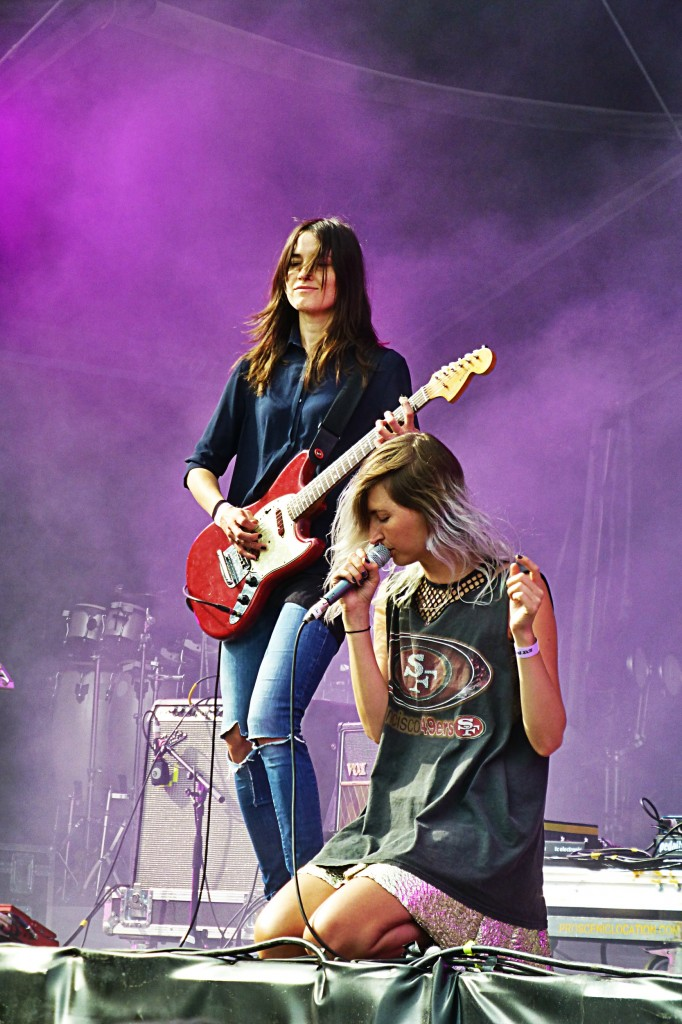 Warpaint band concert paris Rock en Seine Festival 2014 Emily Kokal Theresa Wayman music live show photo by United States of Paris blog