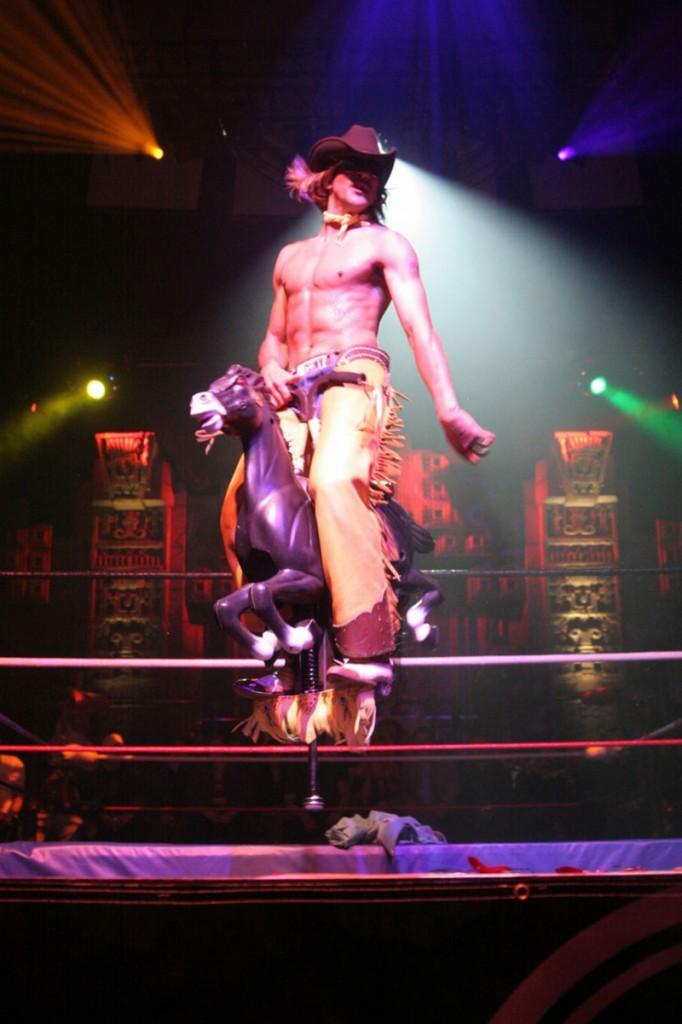 festival île de france 2014 paris cabaret new burlesque spectacle concert débat théâtre live cowboy sensuel effeuillage Roky Roulette