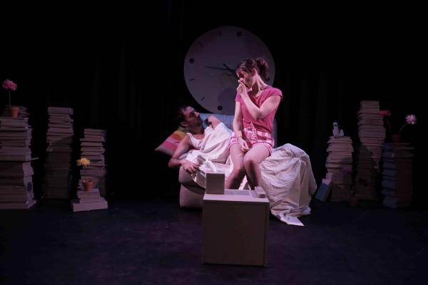 Joyeux anniversaire quand même pièce théâtre Les déchargeurs comédie humour Lillian LLoyd Bruno Sanchez Sophie di Malta