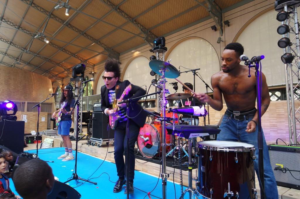Twin-Twin-music-band-groupe-live-concert-Lorent-Idir-François-Djemel-Patrick-Biyik-Festival-Tous-à-Table-Carreau-du-Temple-photo-by-United-States-of-Paris-blog